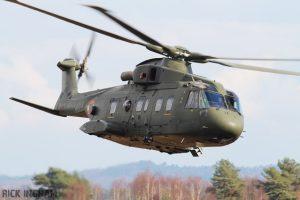 vi007-agustawestland-aw101-helicopter-skyfall